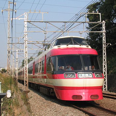 001-20051031-odakyu-tsurukawa-LSE.jpg