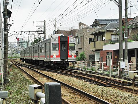 001-20110801-tokyu-ikegamiline-7714.jpg