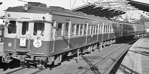 001b-196001-odakyu-yoyogiuehara-2220closeup.jpg