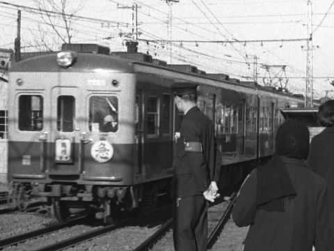 004b-196001-odakyu-higashikitazawa.jpg
