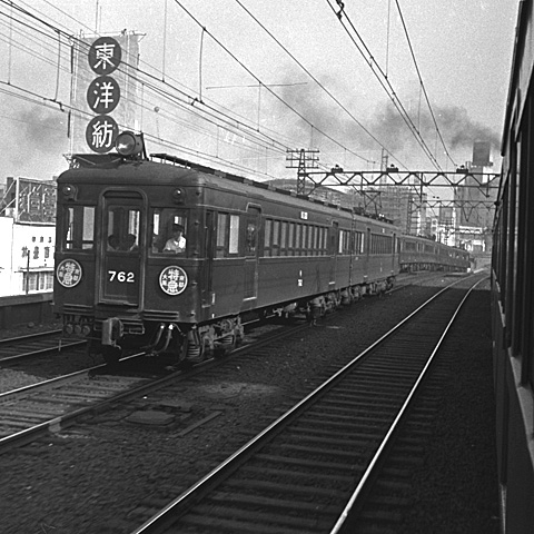 005-195607-hankyu762.jpg