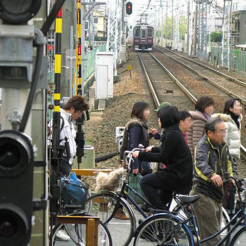 067-20111127-hankyu-tsukaguchi.jpg