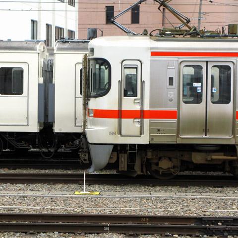 A1942-20160410-matsumoto-JRtokai.jpg